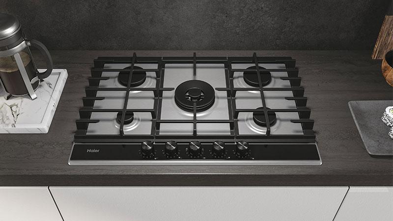 Dishwasher safe grids make hob cleaning faster